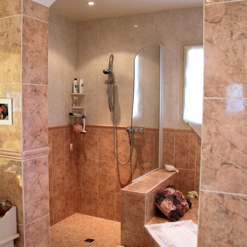 La douche de la chambre parentale